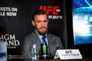 Combate Conor Mcgregor Vs Cerrone analisis Casasapuestasdeportivas